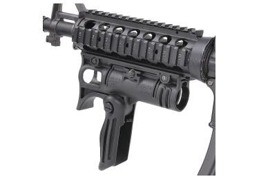 Рукоятка передняя на Weaver/Picatinny, с держателем фонаря 30 мм, складная, быстросьемная, пластик, FAB Defense, FFA-T4